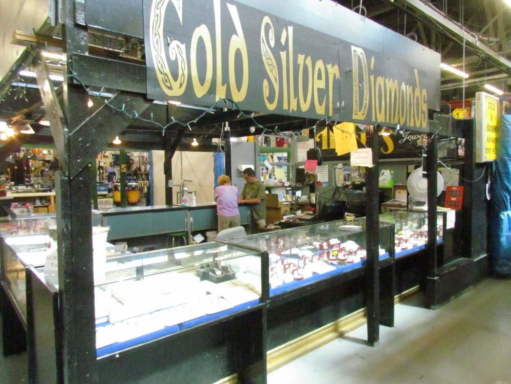 Moirs Gold Gibraltar Market Custom gold and repairs