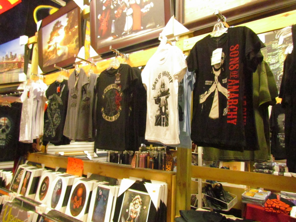 Tees and Pictures Gibraltar Weekend Market London Ontario